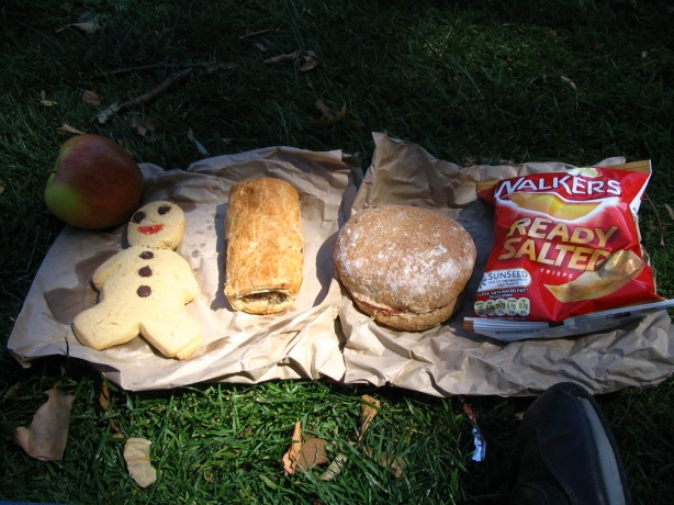Be prepared on excursions. Hunting round for food at lunch time infringes on time in the park. Most food groups are represented in this simple pack lunch combo.
